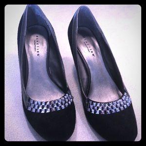 Kenneth Cole Reaction black heels 7.5